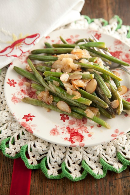 Green Beans with Almonds and Caramelized Onions Thumbnail