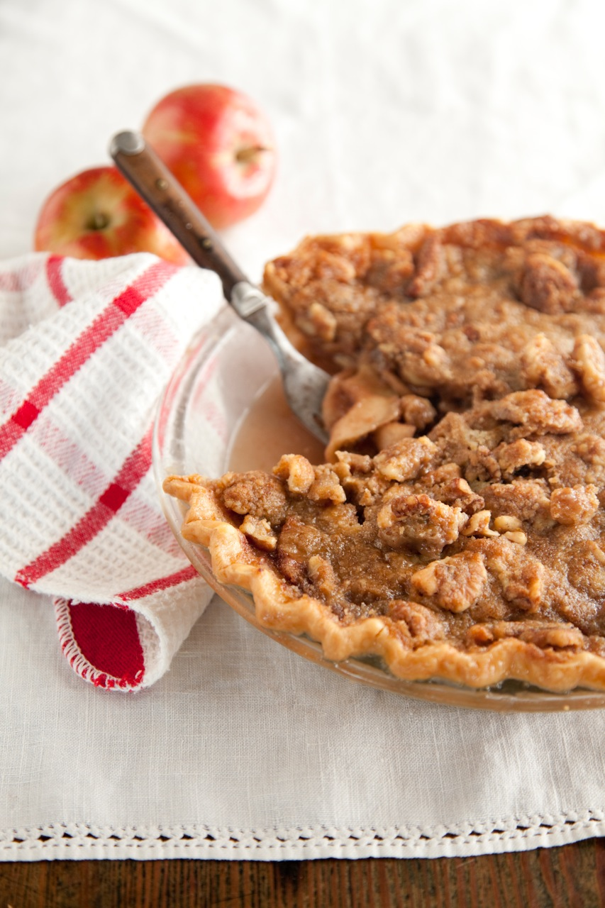 Apple Crunch Pie with Red Wine Caramel Thumbnail