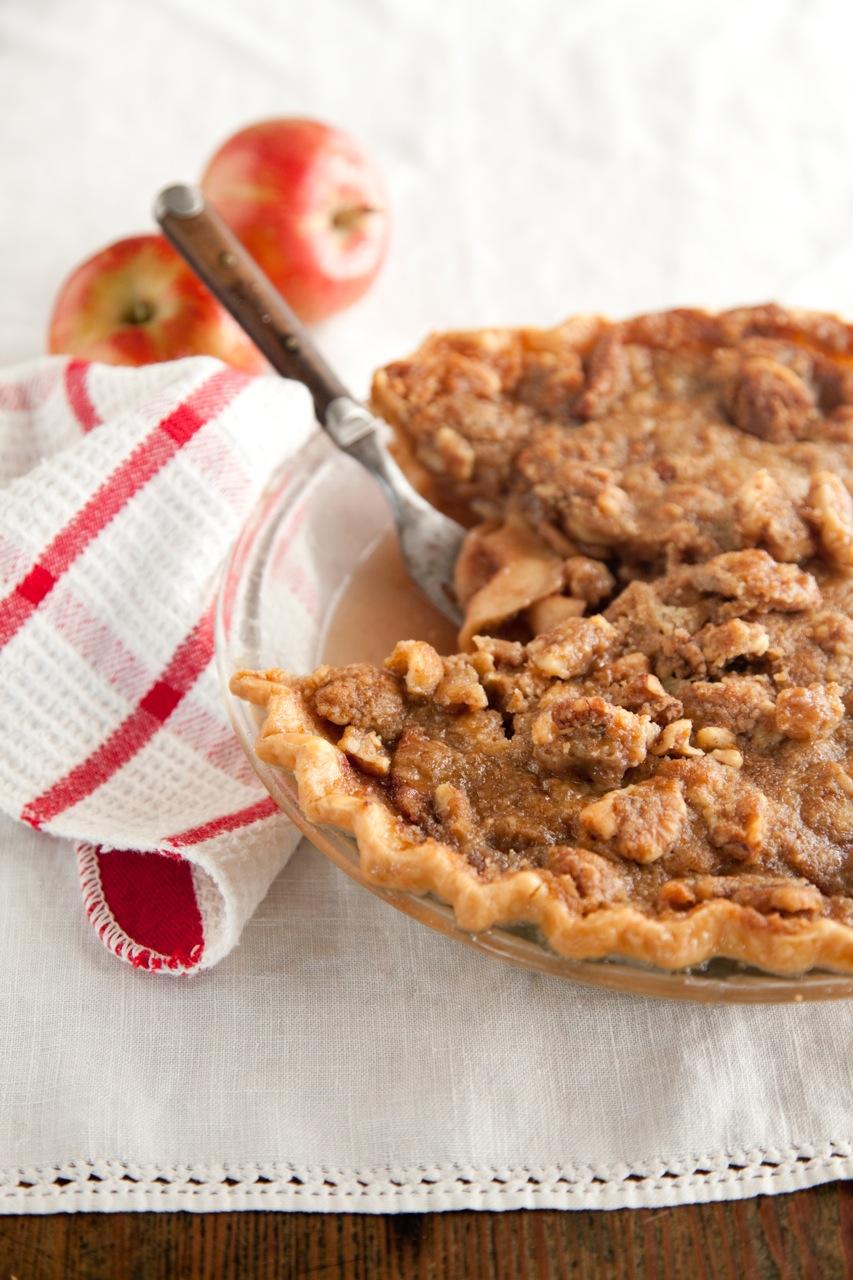 Apple Crunch Pie with Red Wine Caramel Recipe