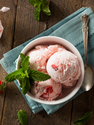 Strawberry and Cream Ice Cream