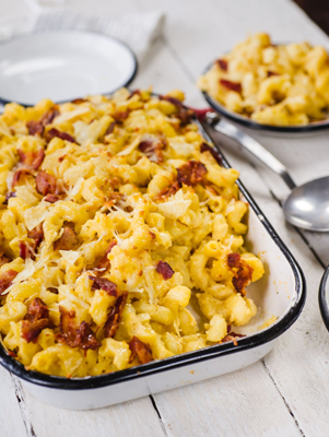 Macaroni and Cheese with Potato Chips