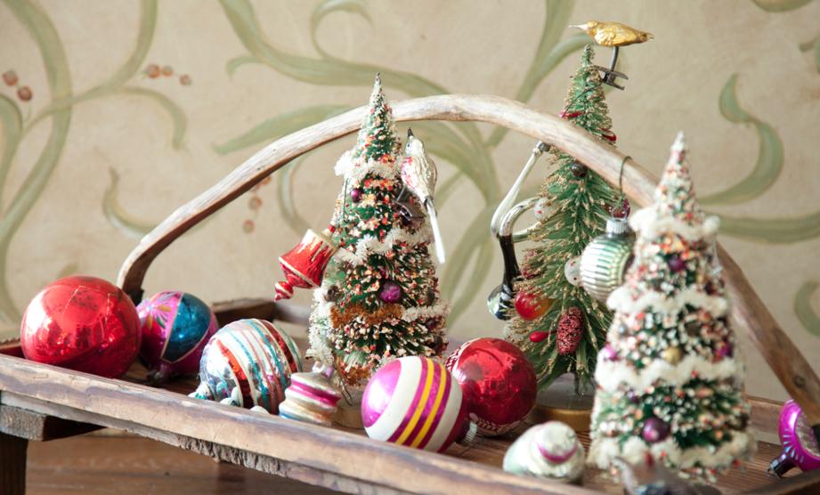 Paula's Vintage Christmas Ornaments Thumbnail