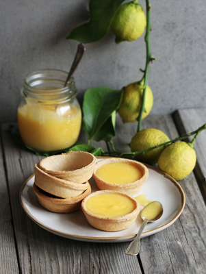 Tassie cups with lemon curd filling
