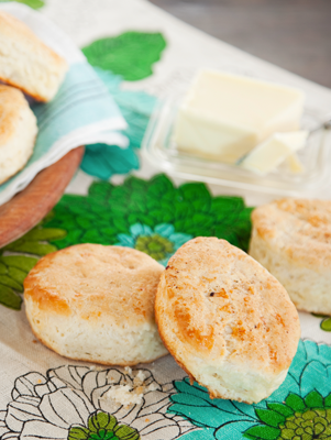 Laurie's Bacon Biscuits