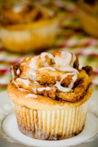 Apple Cinnamon Roll Cupcakes Thumbnail