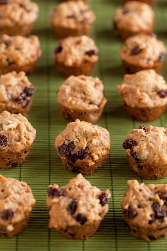 Apple Raisin Muffins Thumbnail