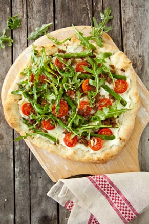 Asparagus, Sausage, and Arugula Pizza Recipe