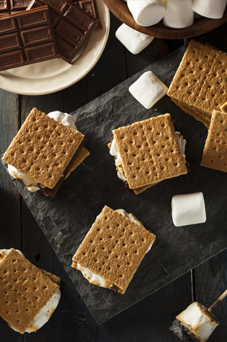 Classic Campfire S'mores Thumbnail