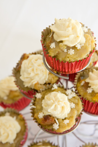 Leftover Holiday Eggnog and Breadpudding Cupcakes Recipe