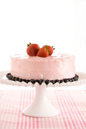 Simply Delicious Strawberry Cake Recipe