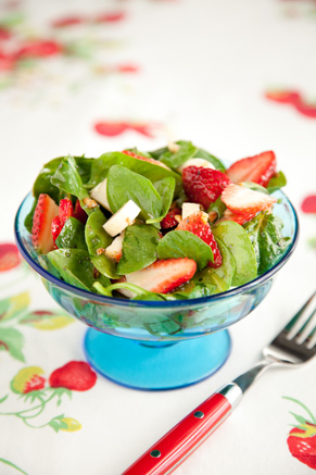 Spinach, Strawberry, and Hearts of Palm Salad Thumbnail