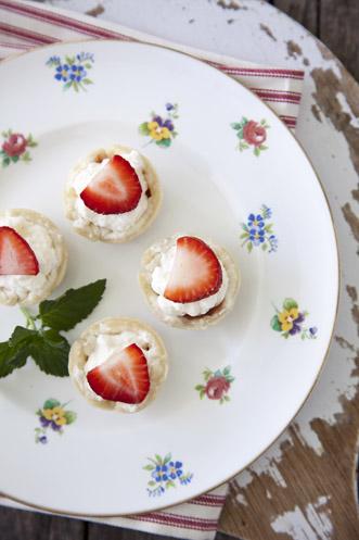 Strawberry Tiramisu Bites Thumbnail