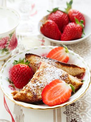 Strawberry-Cream Cheese Stuffed French Toast Recipe