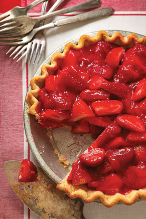 Paula Deen Cuts the Fat: Old-Fashioned Strawberry Pie Recipe