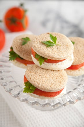 Tomato Sandwich with Parsley or Basil Thumbnail
