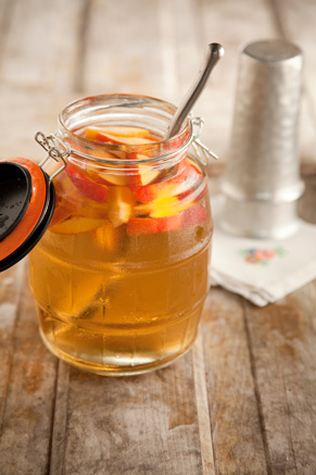 Cousin Johnnie's White Sangria With Peaches Recipe